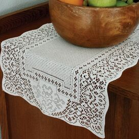 Canterbury Table Runner