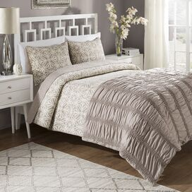 Bettina Comforter & Quilt Set