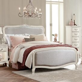 Cait Bed in Antique White