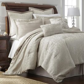 Samantha Comforter Set
